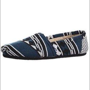 Fleece Lined Blue Aztec TOMS [Size 8.5]